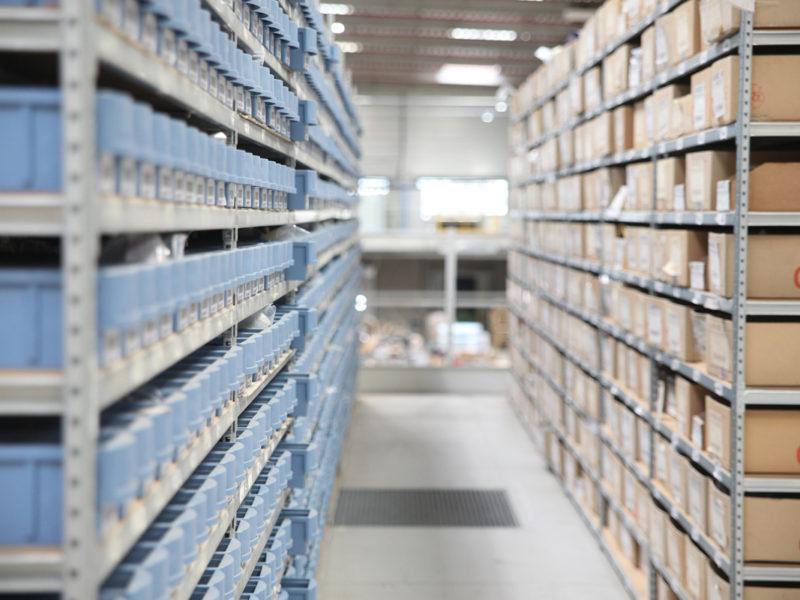L4 Logistics - entrepôt rayonnages e-commerce