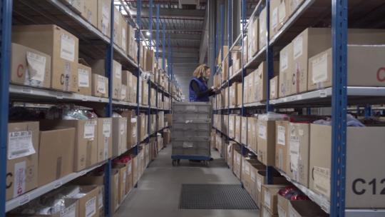 L4 Logistics picking étageres