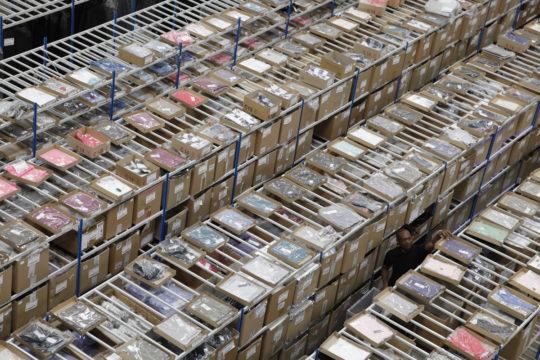 L4-Logistics-stock-textile-a-plat