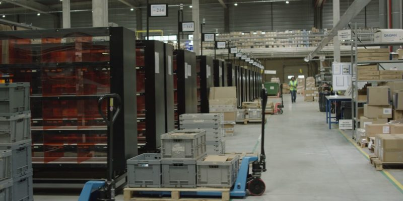 L4 Logistics - e-commerce packing line