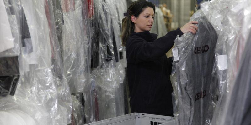 l4 Logistic - picking stock textile pendu