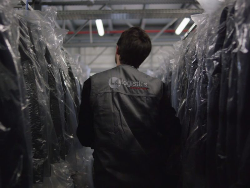 L4 Logistics - picking textile